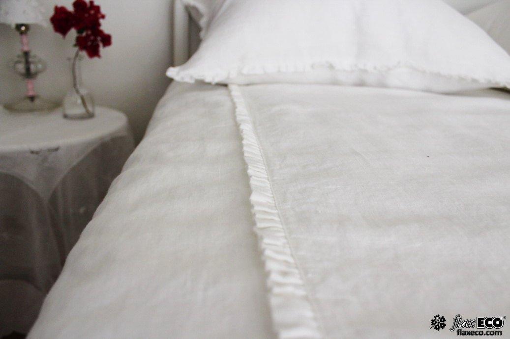 Льняное постельное белье с вышивкой 75